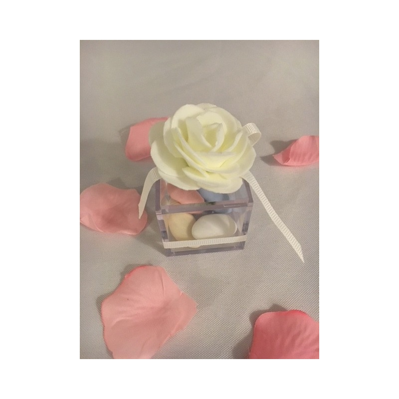 Boite carre plexi avec rose blanche