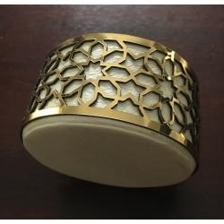 Boite à dragées ronde en cuir avec fil dorée
