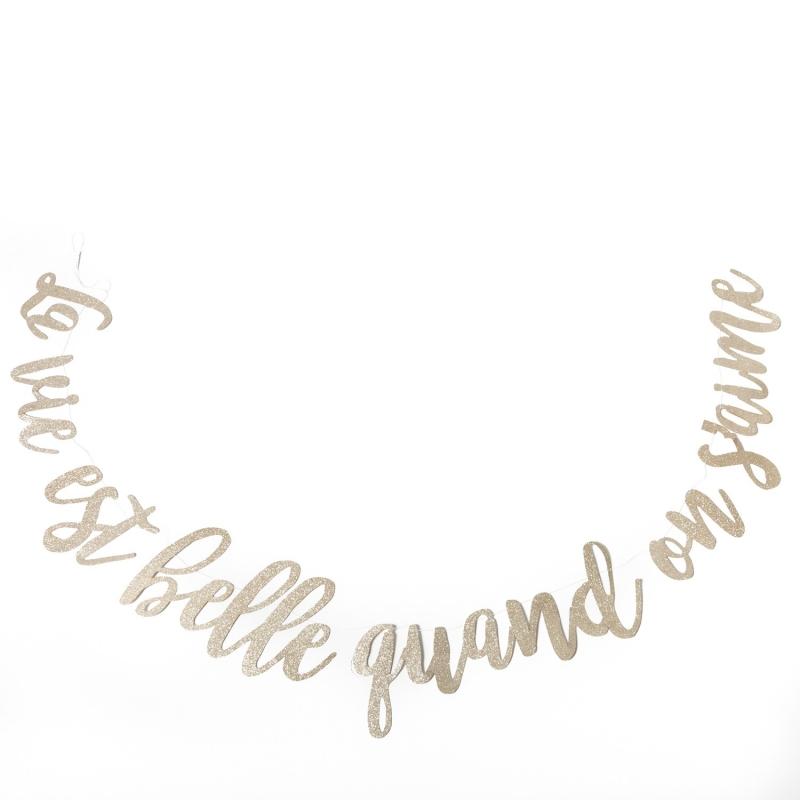 """Guirlande """"la vie est belle quand on s'aime"""""""