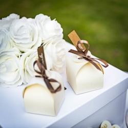 boites arrondies blanches