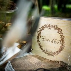 Livre d'or couronne végétale bois