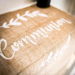 Chemin de table communion jute floquee blanc